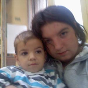 mon bébé d'amour a tata <3<3