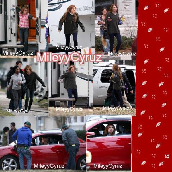 Miley Cyrus le 16/01/11 sur le plateau de So Undercover