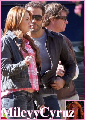 Miley ce 22/01/11 sur le tournage de So Undercover