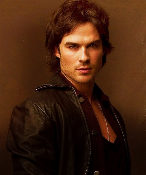 SAISON 4 : Elena se rapproche dangereusement de Damon! <3
