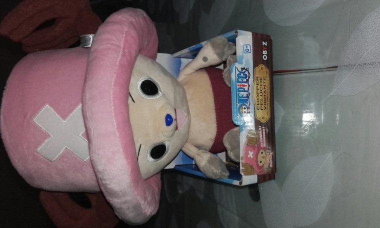 J'ai enfin reçu ma peluche et ma figurine Luffy *3*