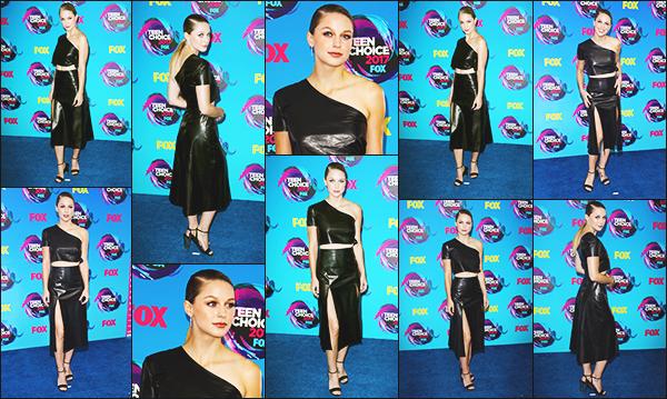 """.13.08.17▬ Plus tard, Melissa B. était à la très célèbre cérémonie des Teen Choice Awards ▬ Los Angeles  Mel a gagné le prix """"Choice Action TV Actress"""", félicitations à elle. Je n'aime pas sa tenue mais beaucoup la mise en beauté, c'est un petit Bof Avis ? ."""