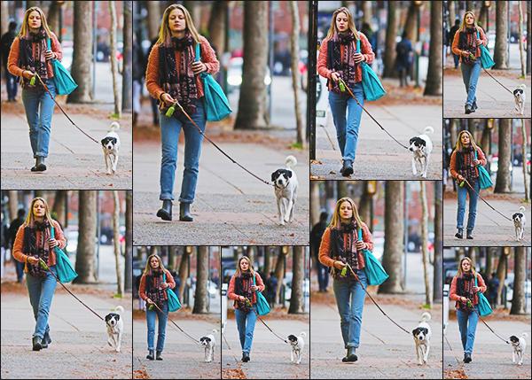 .15/11/17 ► Mélissa en compagnie de son petit chien Farley, se rendait sur le tournage à Vancouver Petite mine pour Melissa qui n'a pas envie de sourir, la fatigue du tournage qui n'arrête pas ses derniers temps, un bof pour la tenue Vos Avis? .