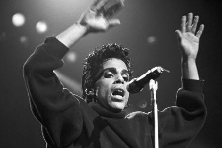 Mort de Prince: le chanteur avait été traité pour une surdose d'opiacé et quitté l'hôpital contre l'ordre des médecins six jours avant sa mort