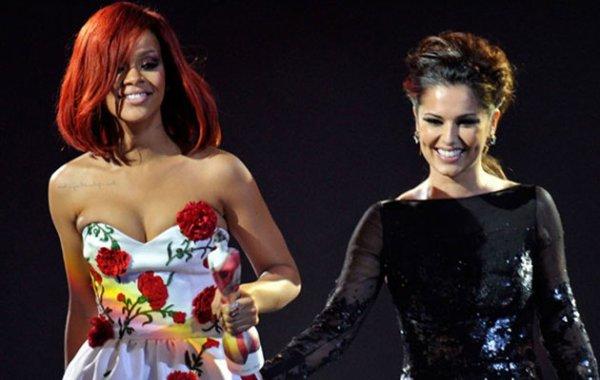 Rihanna réitère pour Armani