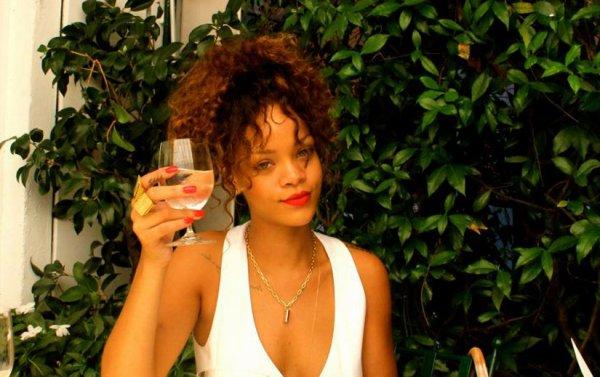Rihanna serait-elle alcoolique ?