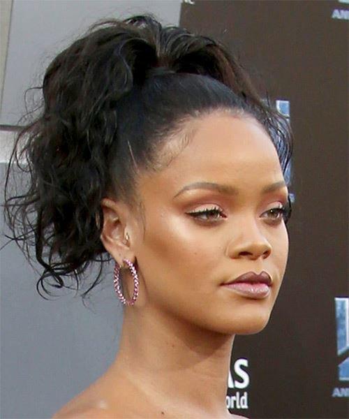 Rihanna refuse que ses chansons soient utilisées lors de meetings de Donald Trump