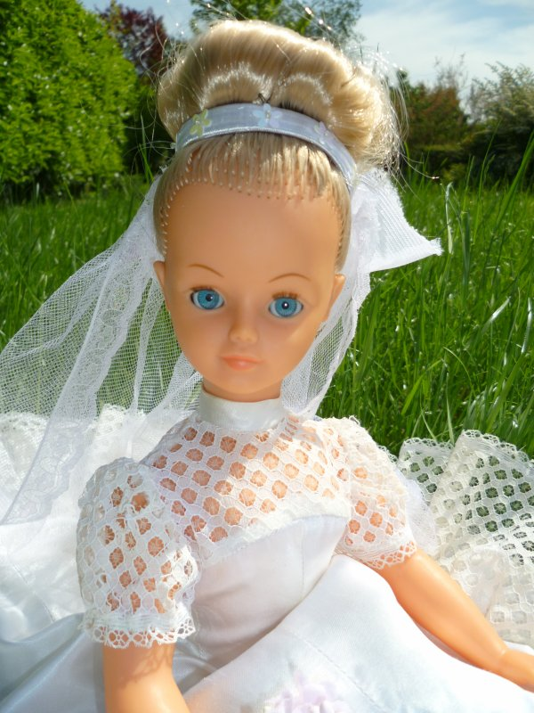 Cathie en tenue de  Mariée 1974