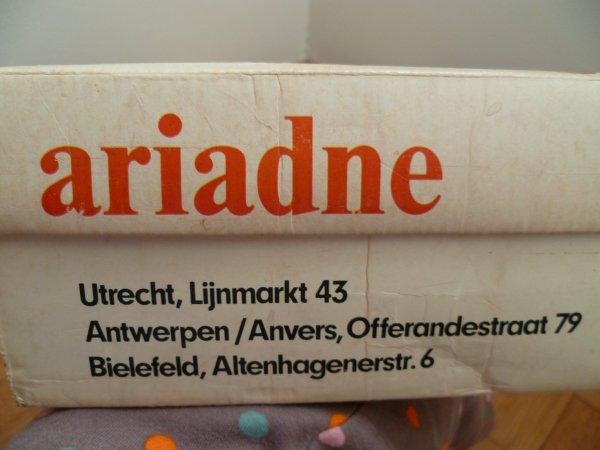 Cathie hollandaise en boîte