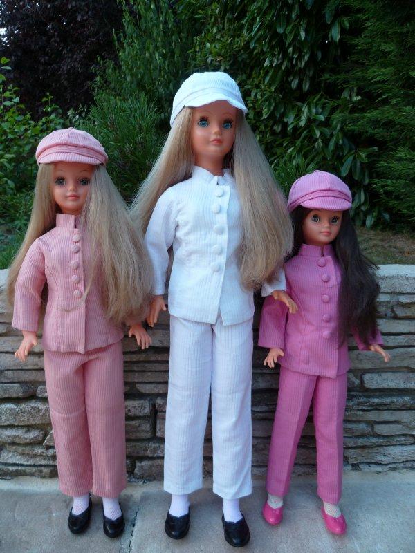 Leslie,Betsie,Cathie en tenue Mao