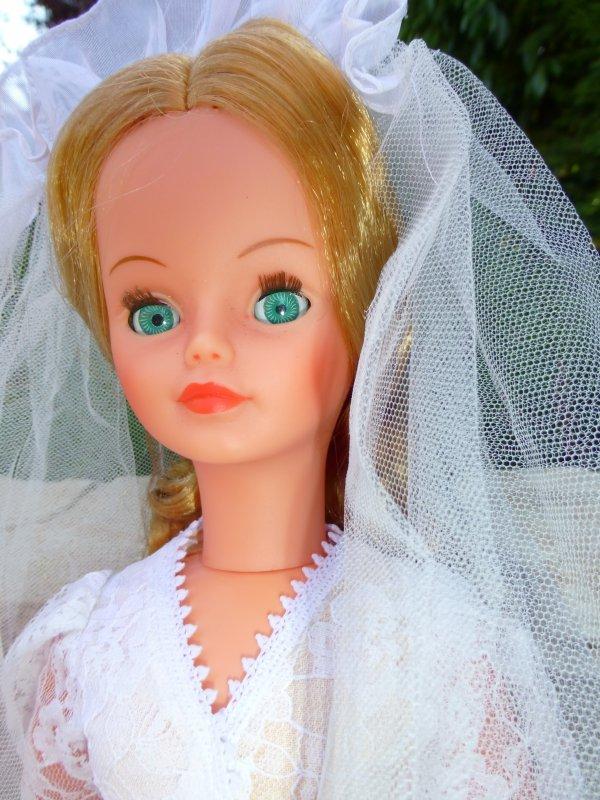 Cathie en Tenue Mariée 1980