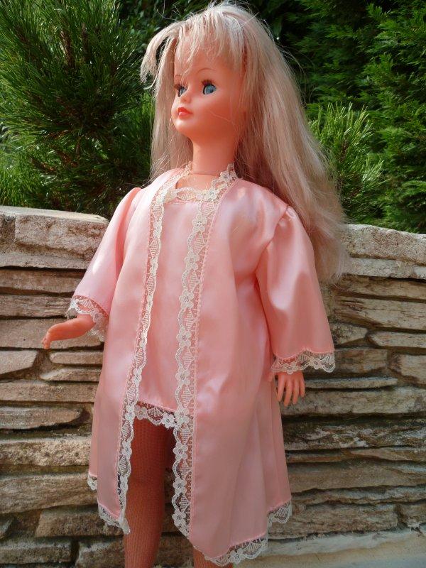 Nathie,en déshabillé rose