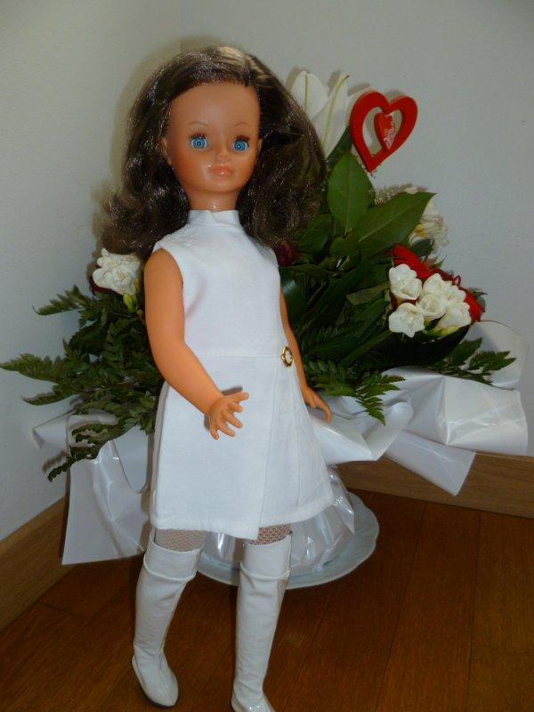 Ma poupée Cathie,en robe Adélie 1971,vous souhaite un bon weekend