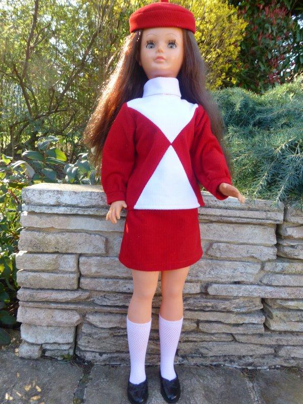 Ma petite réimplantée est habillée:Leslie en tenue Play Back 1967
