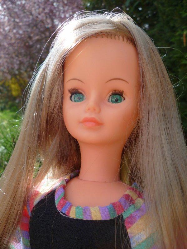 PourJenny,mais pas que..Cathie yeux verts en Tenue Florence 1978