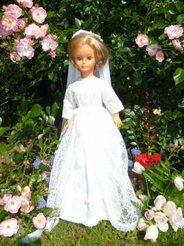 Cathie en tenue de Mariée 1970