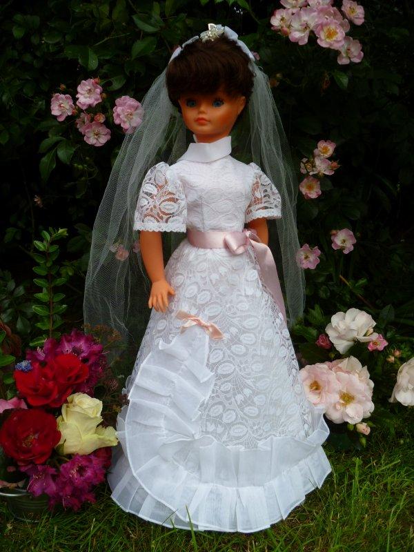 Cathie en Tenue de Mariée 1979