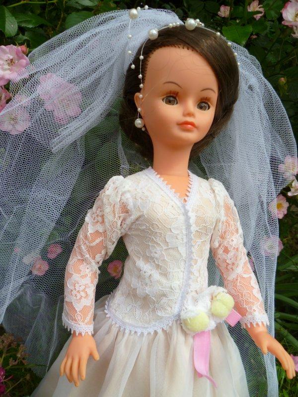 Cathie,en Tenue de Mariée 1980