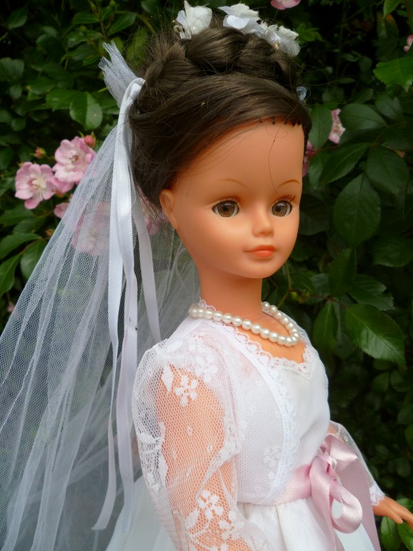 Cathie en Tenue de Mariée 1980,hors catalogue