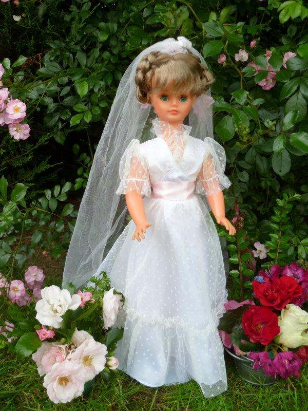 Cathie en tenue de Mariée 1981
