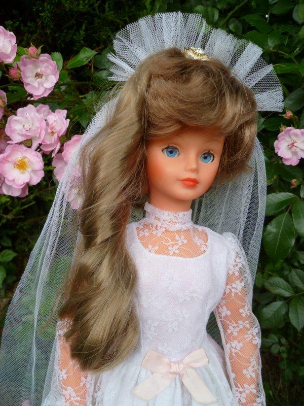 Cathie,en Tenue de Mariée 1982