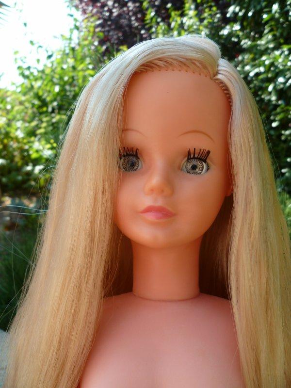 Bon weekend mes amies!Décrassage de poupée pour moi!