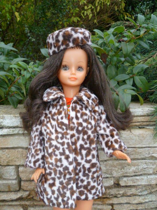 Fait rudement froid:Cathie remet ses fourrures..
