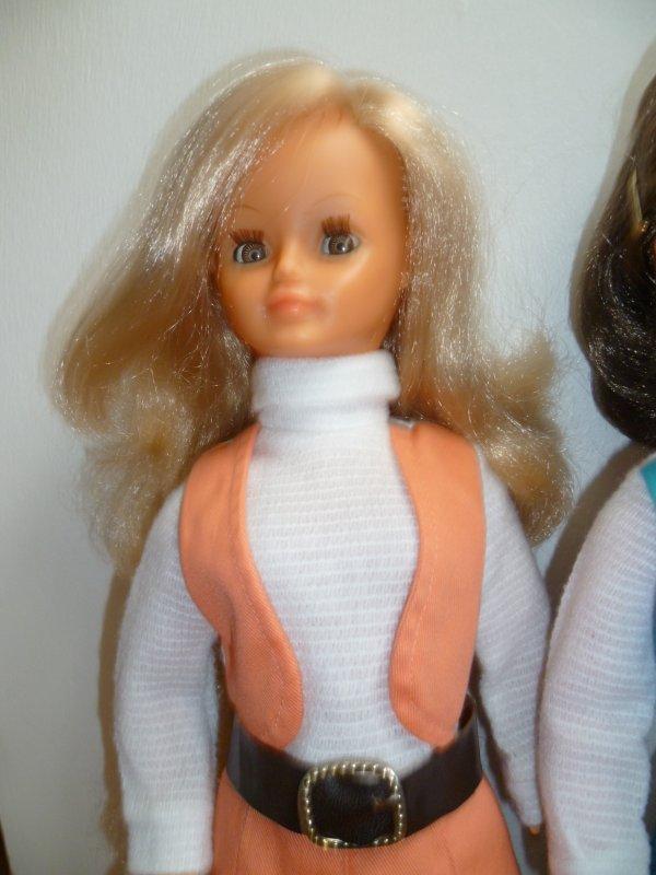 Una autre Tenue de Présentation 1971 pour Cathie