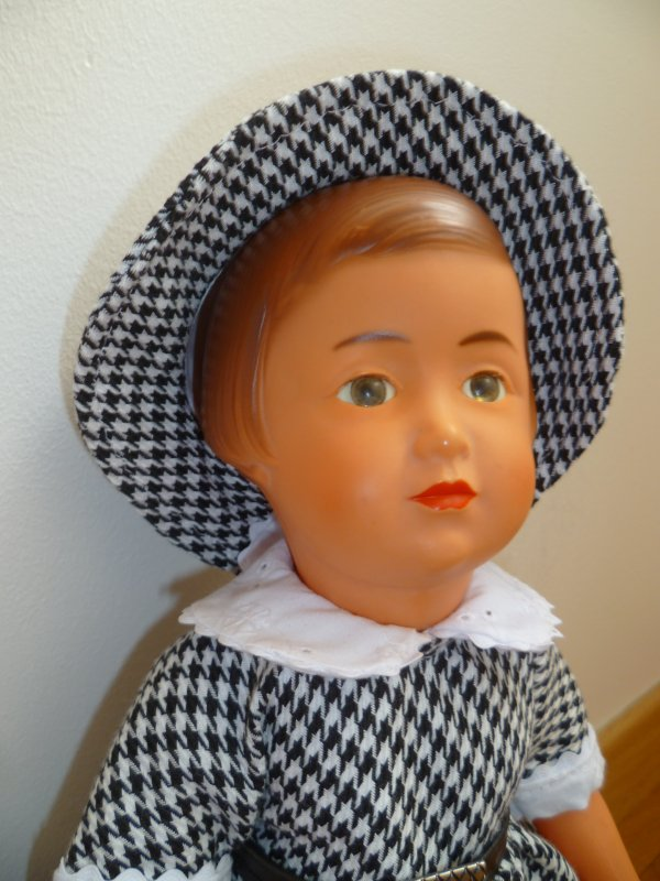 Françoise s'est changée.