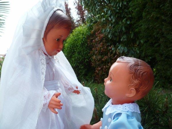 Michel a assisté à la communion de sa grande soeur!