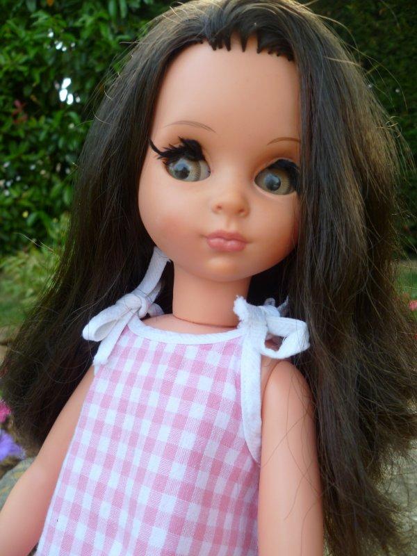 Fait chaud! Susanna,des 4S, a mis sa robe bain de soleil..