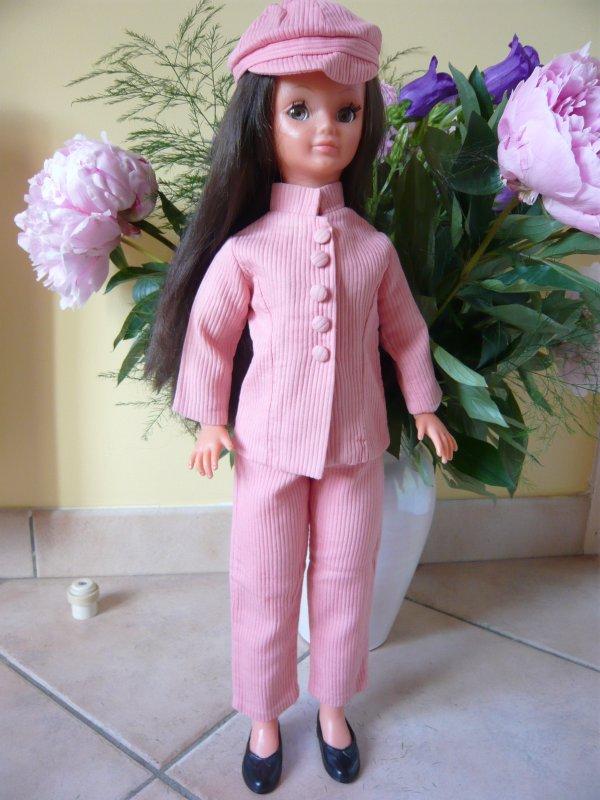 Les Brunettes..Partie 5..Bella,les grandes Mannequins Leslie et Betsie!