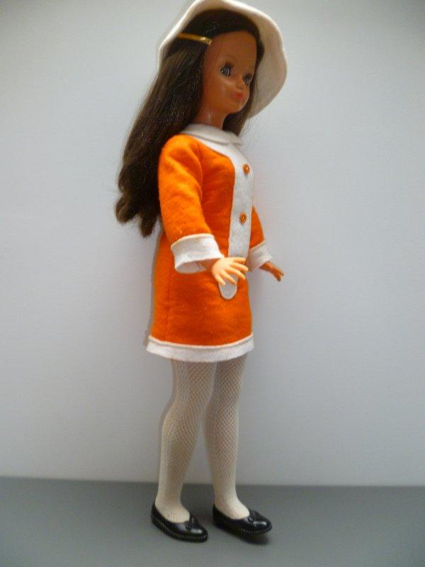 Cathie,en Tenue de Présentation 1969