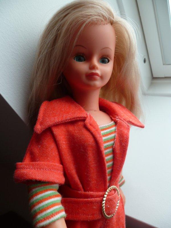 Cathie,en tenue Mutine 1974 vous souhaite un bon weekend