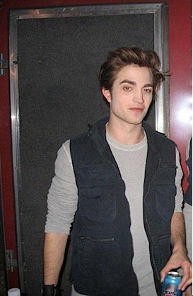 ♥  тωιℓιğнт    ♥               << Tu es comme une drogue pour moi, c'est comme si tu étais ma propre marque d'héroïne. >> Edward.
