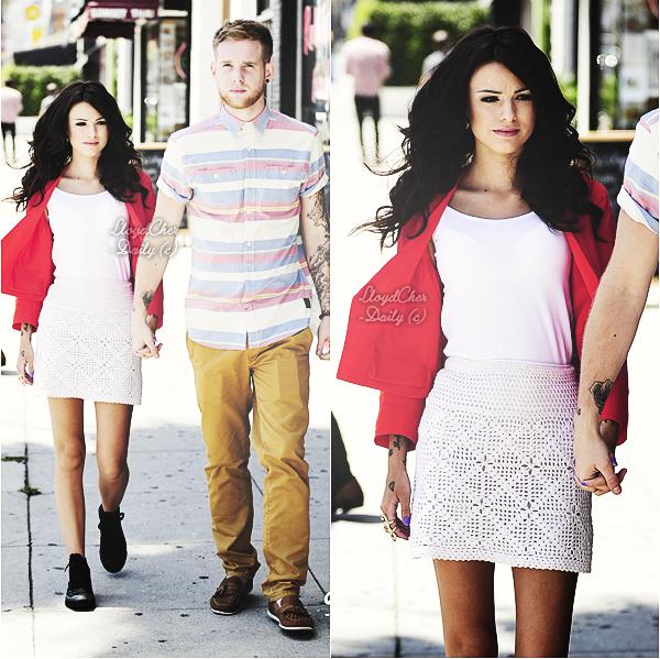 . Candid, 16 Mai - Cher a été aperçue avec son petit-ami, Craig quittant le restaurant TOI à Los Angeles. .