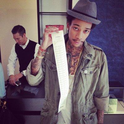 Bonjour Je m'appelle Wiz Khalifa et je peu Dépenser 5871576384167$ Chez CHANNEL