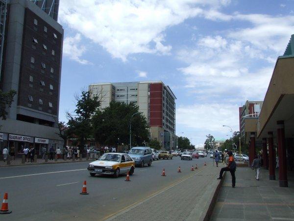 Lesotho : La confusion persiste après la fuite en Afrique du Sud du PM par crainte d'un coup d'état.