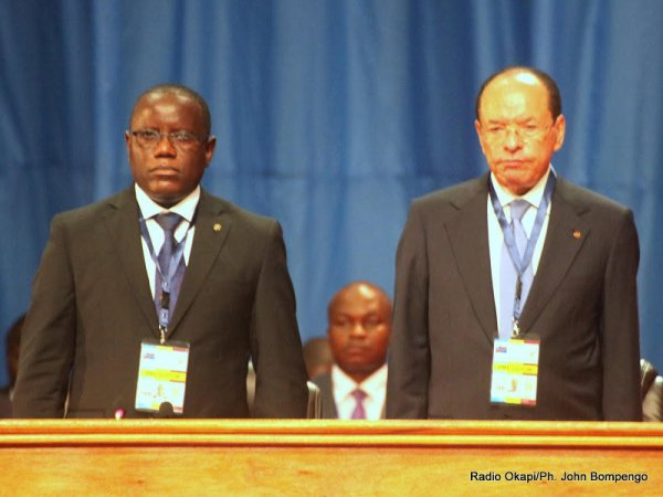 RDC : Retour agité au Parlement: Minaku joue au médiateur et Kengo s'attaque aux révisionnistes.