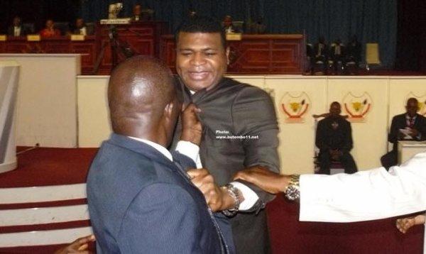 RDC : Un député menace de saisir la justice après avoir été molesté par ses collègues