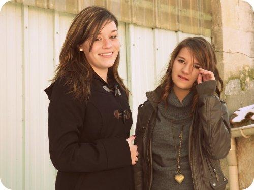 Nous sommes jeunes et cons, et fière de l'être. ♥