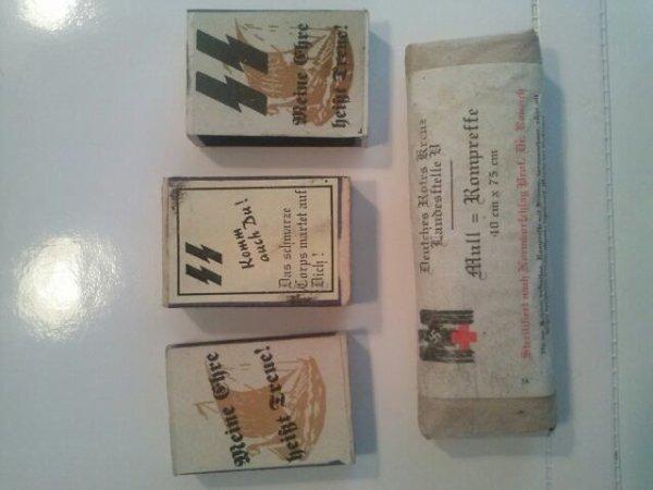 3 boites d'allumette allemande SS et un paquet de pansement allemand :D