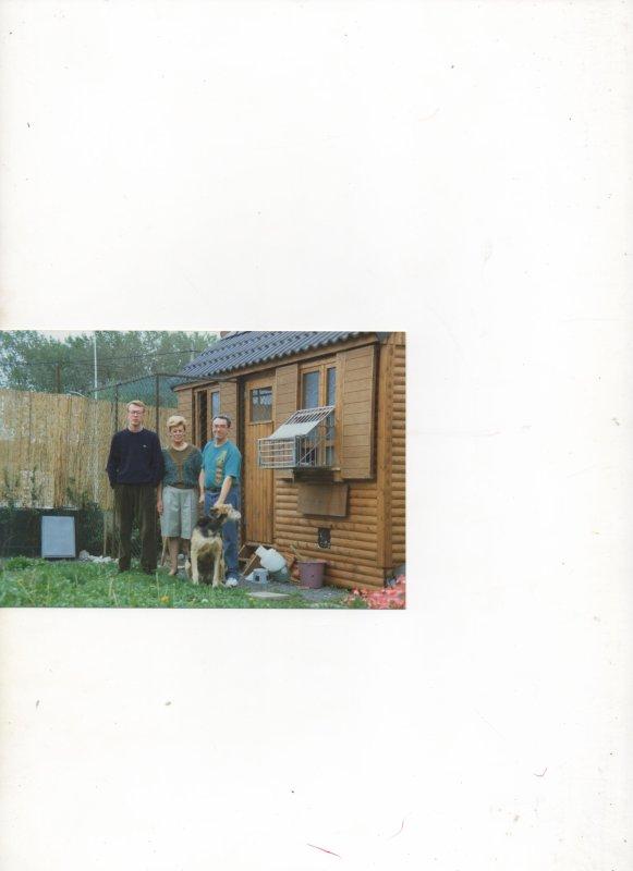 Lens:en 1994  avec mon roux ,puis en1992 avec mes parents devant le pigeonnier punt