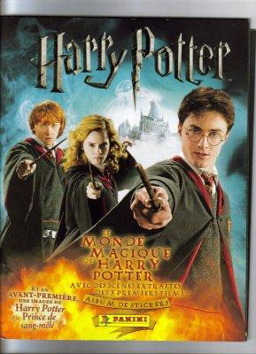 HARRY  POTTER   ET  LE  MONDE  MAGIQUE  .