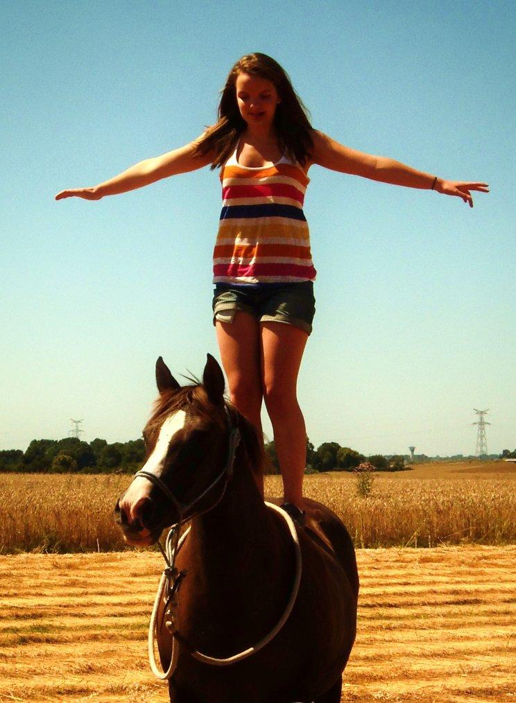 Le cheval c'est ma drogue, j'en suis dépendante .