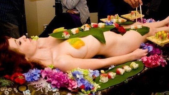 Snoop Japanese female body Sheng: Virgin in order to stimulate the appetite