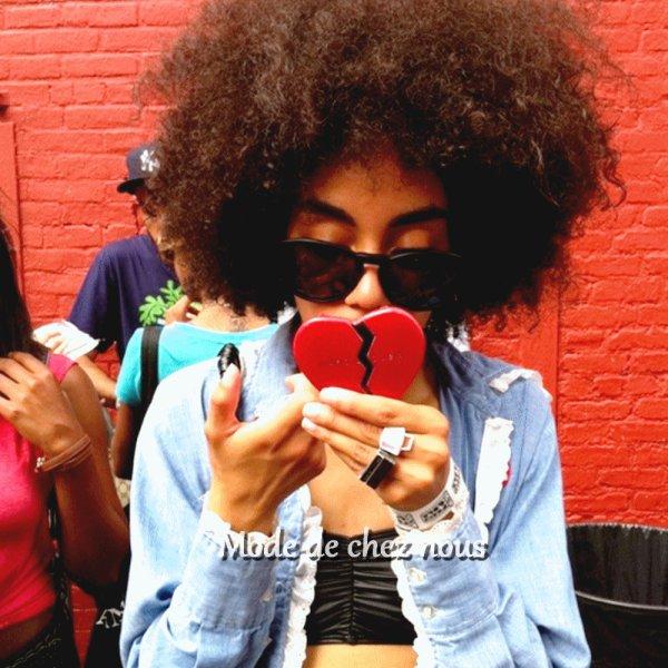 La bauté d'être une femme noir ne s'explique pas , être noir n'est pas une couleur mais une histoire ♥