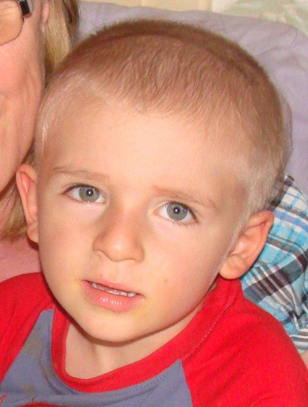 Mon petit Neveu décédé le 3 Janvier 2012 a L'hopital Necker a Paris...(4ans et demie)