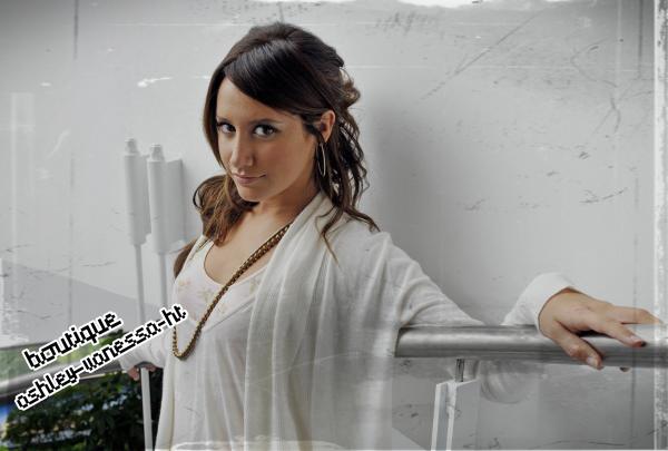 Boutique sur .... Ashley-Vanessa-HT :)♥