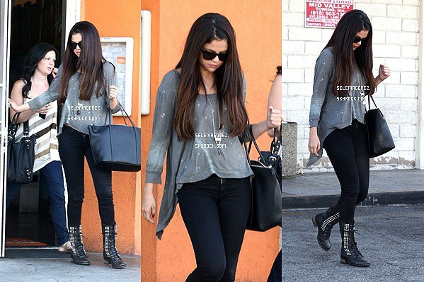 3/10/12 -Selena et Ashley Cook quittant Sushi Dan après déjeuner à Studio City. Je lui donnerai un gros TOP, & toi ?